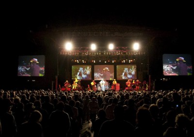 2011 Alan Jackson during show
