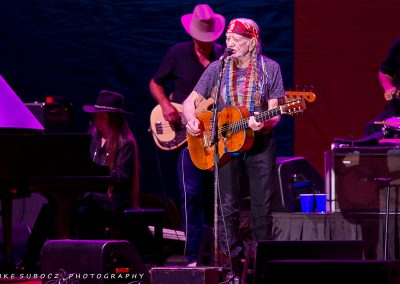 IS-WillieNelson-07