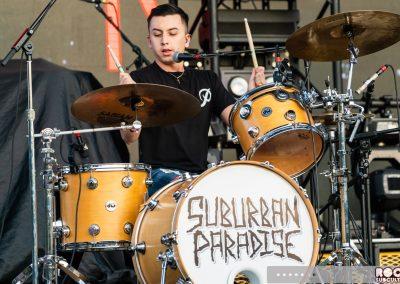 06-IS-SuburbanParadise