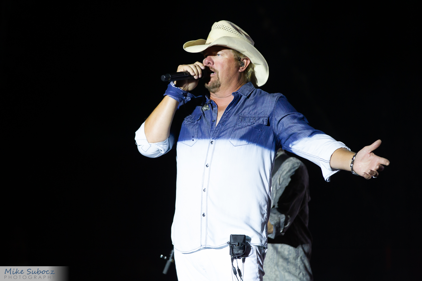Toby Keith concert image